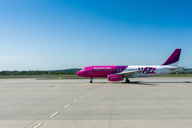 Самолет Wizzair стоковые изображения rf