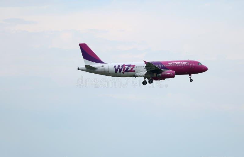 Самолет Wizzair стоковое изображение rf