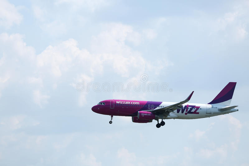 Самолет Wizzair стоковые фотографии rf
