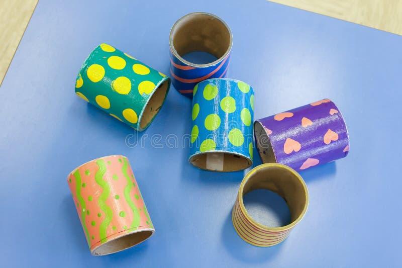 Самодельные воспитательные красочные трубки стоковое фото