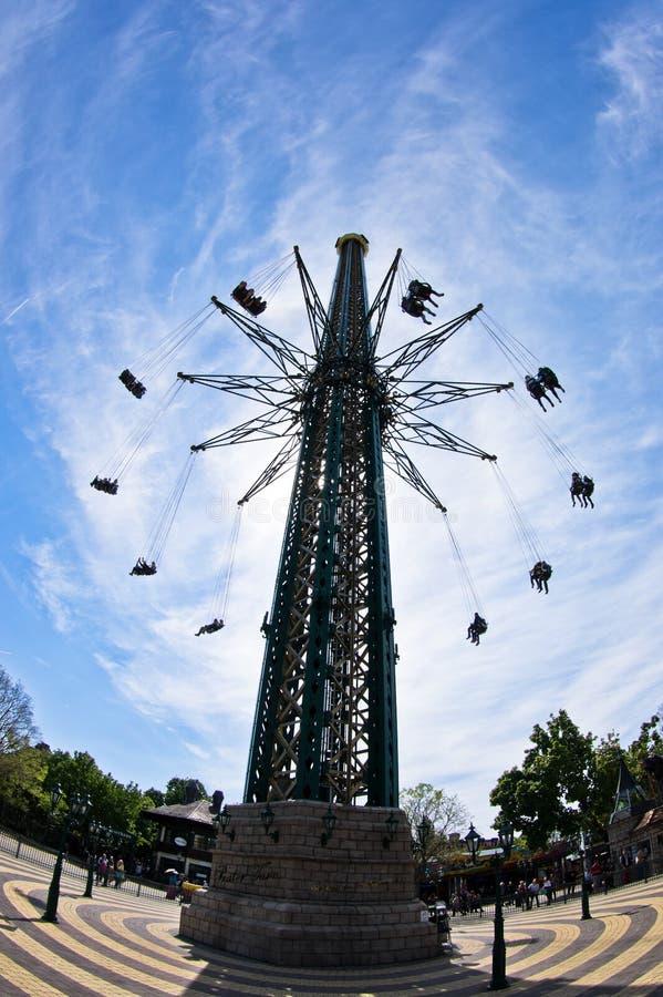 Самый высокорослый и самый большой carousel качания летания в мире на Prater, вене стоковые изображения