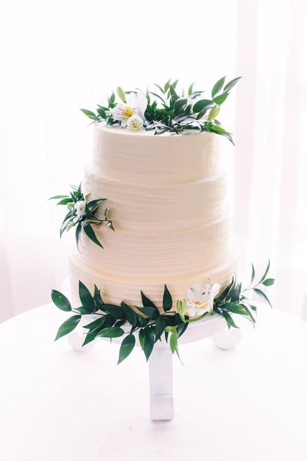 Самый красивый и самый очень вкусный торт Свадьба, день рождения Куриц-партийный стоковые изображения rf