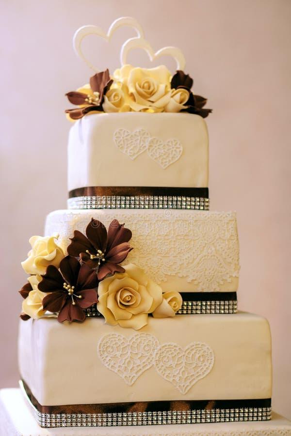 Самый красивый и самый очень вкусный торт Свадьба, день рождения Куриц-партийный стоковая фотография