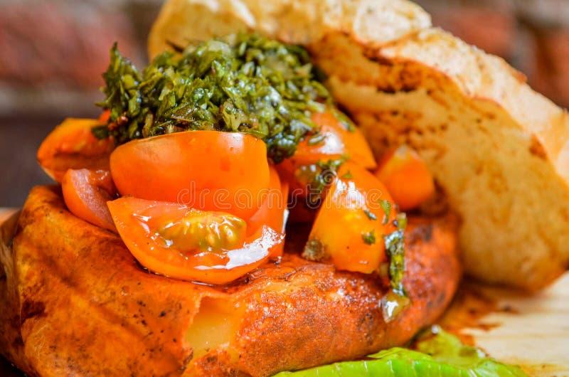 Сандвич тунца с луком стоковые изображения