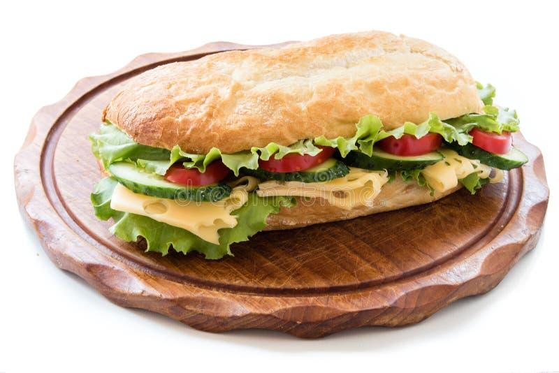 Сандвич Ciabatta с салатом, томатом, огурцом и сыром стоковая фотография