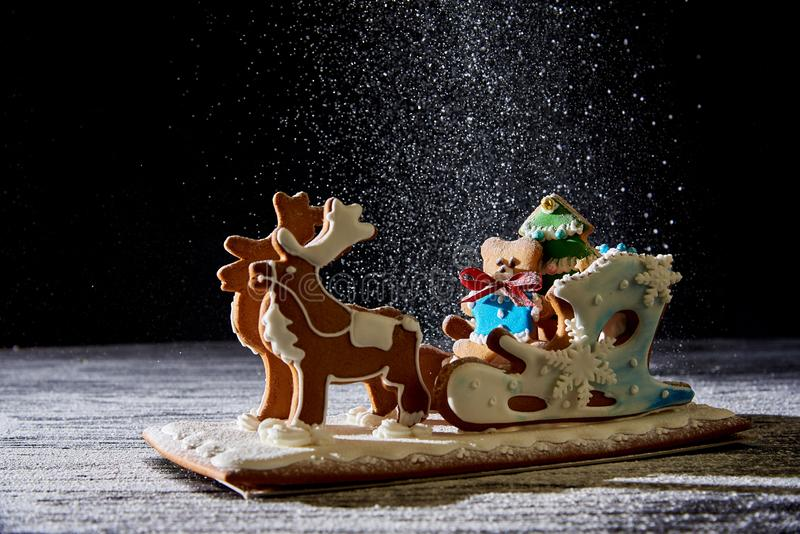 Сани пряника рождества с оленями стоковая фотография rf
