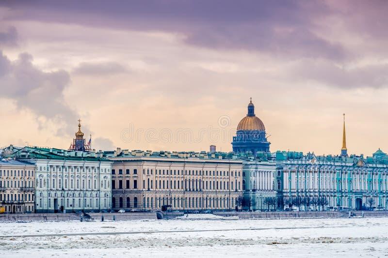 Санкт-Петербург в зиме стоковые фотографии rf