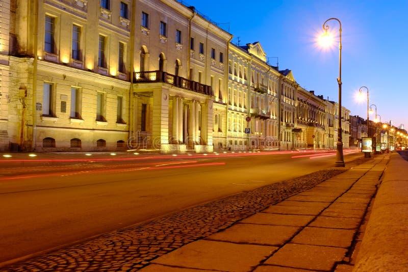 Санкт-Петербург на ноче стоковая фотография