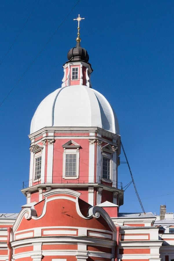 Санкт-Петербург, Россия, апрель 2019 Купол церков St Panteleimon в центре города стоковые фотографии rf