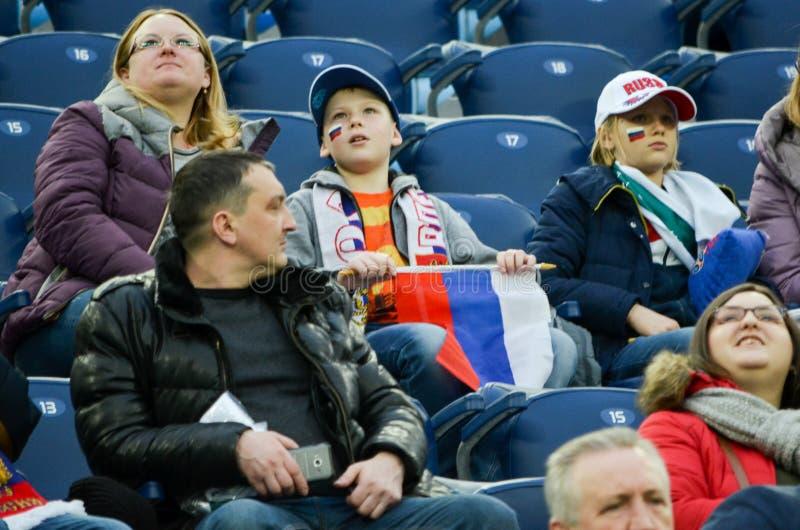 САНКТ-ПЕТЕРБУРГ, РОССИЯ - 27-ое марта 2017: Вентиляторы русского n стоковое фото