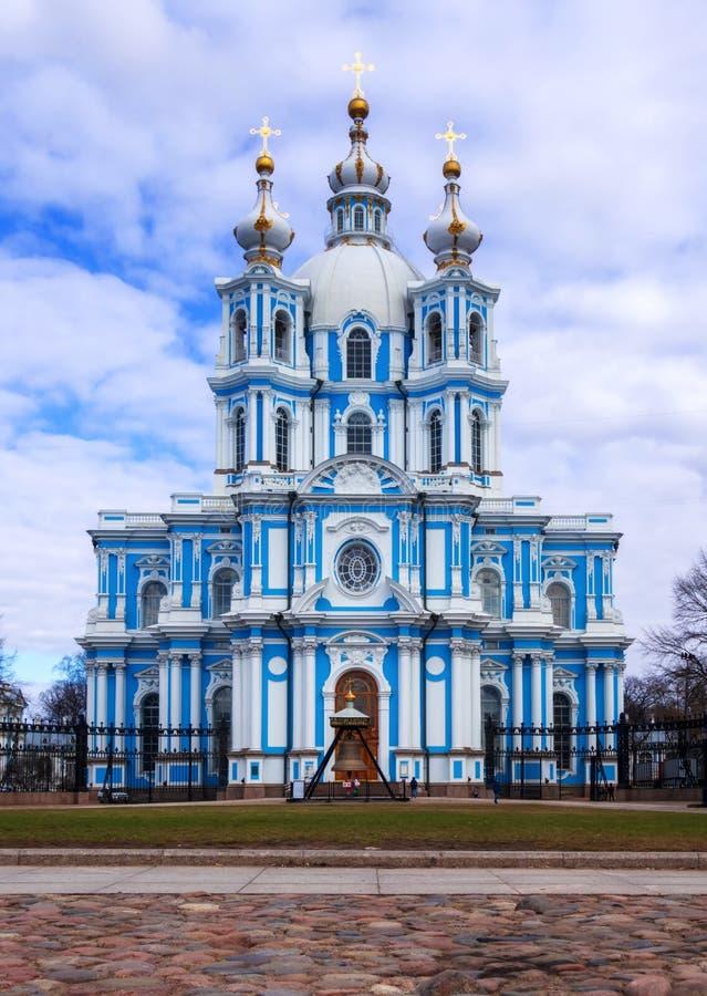 Санкт-Петербург, Россия, 2019-04-13: Собор Smolny стоковые изображения rf