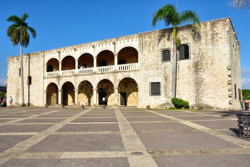 Санто Доминго, Доминиканская Республика Alcazar de Двоеточие (дом) Diego Колумбуса, испанский квадрат стоковые фотографии rf