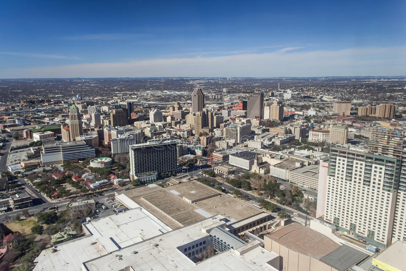 Сан Антонио, TX/USA - около февраль 2016: Городской Сан Антонио, Техас как увидено от башни Америк стоковые фотографии rf