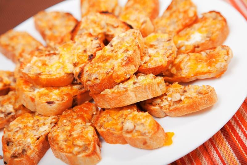 Сандвичи с грибами и чеддером стоковое изображение rf