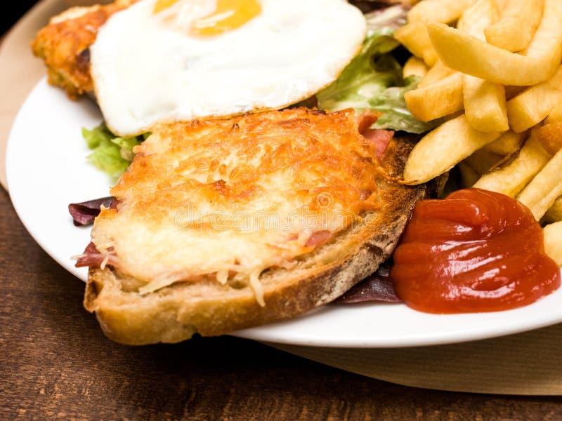 Сандвич провозглашанный тост французом - Мадам croque стоковое фото rf