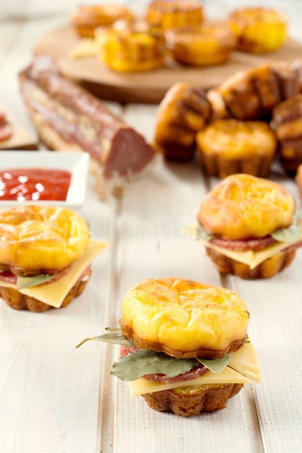 Download Сандвич сосиски Proja стоковое фото. изображение насчитывающей минио - 41655794