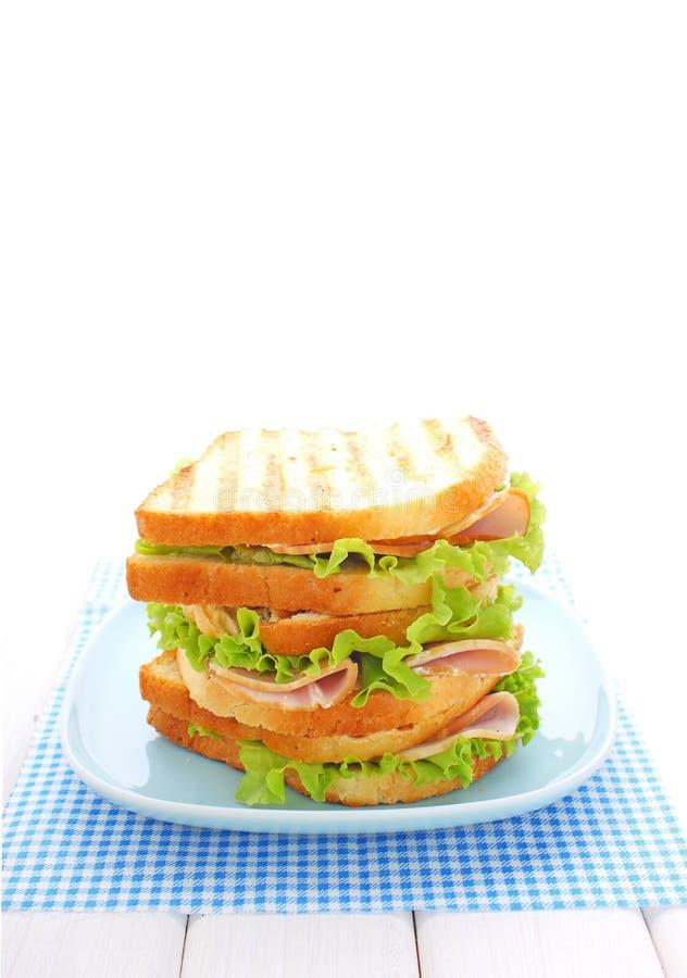 Сандвич с ветчиной, плавленым сыром стоковые фотографии rf