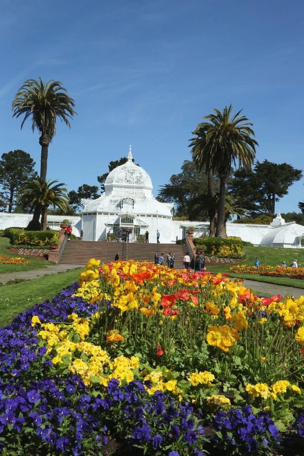 Консерватория цветков строя на Golden Gate Park в Сан-Франциско стоковые изображения rf