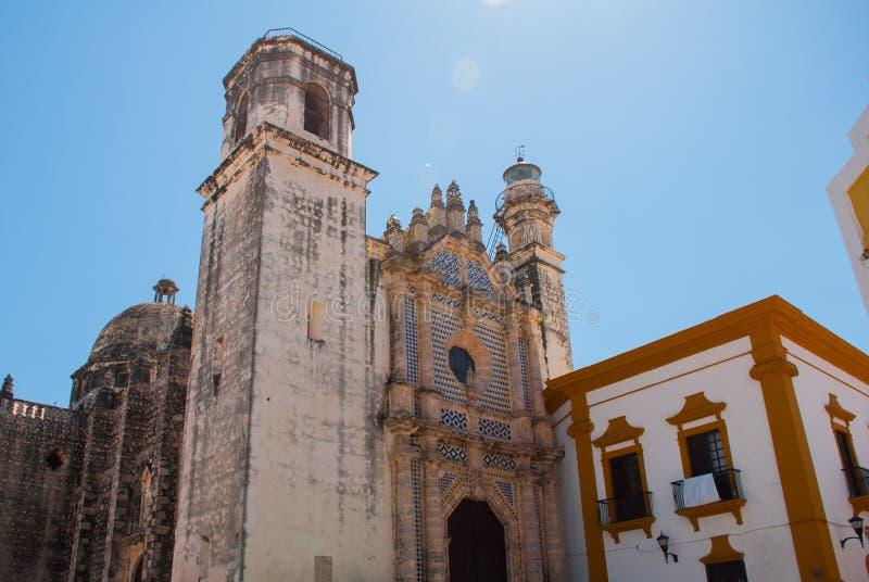 Сан-Франциско de Кампече, Мексика: Взгляд бывшего собора Сан-Хосе Это было главным виском монастыря иезуита, теперь cu стоковая фотография