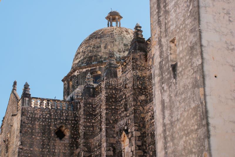 Сан-Франциско de Кампече, Мексика: Взгляд бывшего собора Сан-Хосе Это было главным виском монастыря иезуита, теперь cu стоковое фото rf