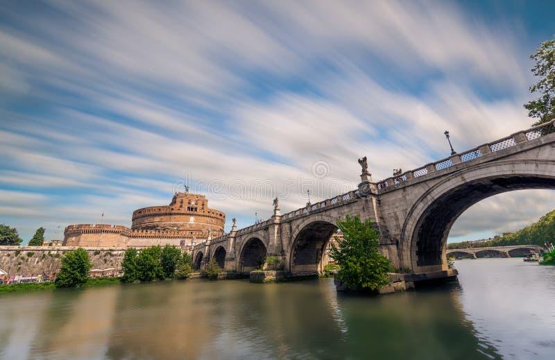 Сан Angelo, Лацио, Италия - против - a - против стоковые фото