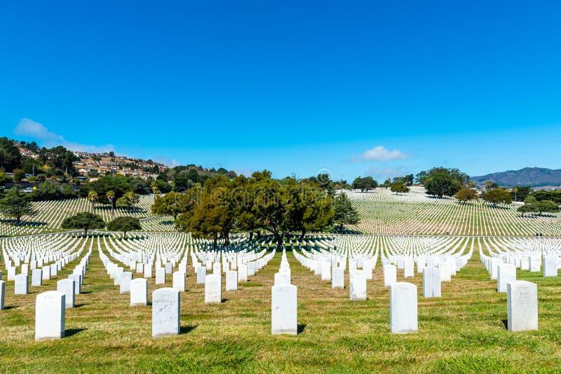 САН BRUNO, КАЛИФОРНИЯ, США - 16-ОЕ СЕНТЯБРЯ 2018: Кладбище золотых ворот национальное r стоковое фото rf