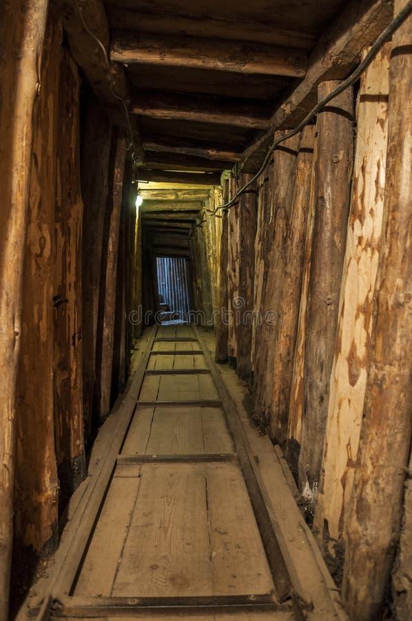 Сараево, тоннель, музей тоннеля Сараева, семья Kolar, боснийская война, ОН нелегально, осада Сараева, рельса стоковые изображения rf