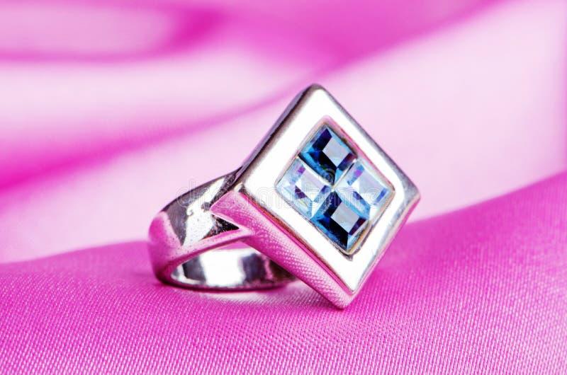 сатинировка кольца jewellery стоковые фотографии rf
