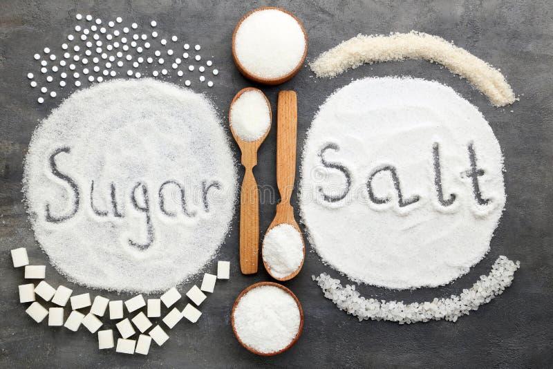Сахар и соль надписи стоковые фотографии rf