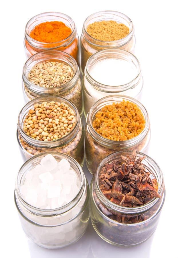 Download Сахар и специи на белизне IX Стоковое Изображение - изображение насчитывающей сух, органическо: 40590281