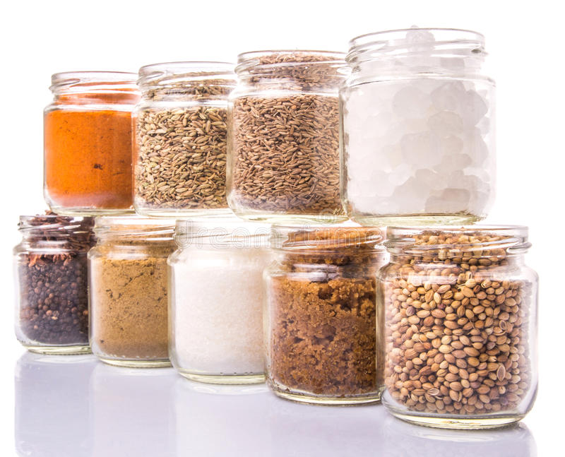Download Сахар и специи на белизне VII Стоковое Изображение - изображение насчитывающей контейнер, природа: 40590231