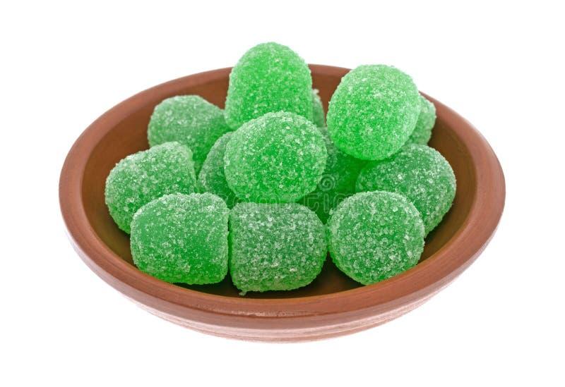 Сахар покрыл конфету зеленого кислого падения камедеобразную в шаре стоковая фотография rf