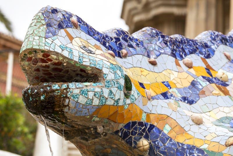 Саламандр мозаики ` s Gaudà пестротканый в парке Guell, Барселоне, Испании стоковое изображение rf