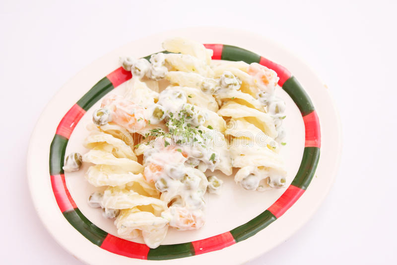 Салат лапшей и овощей стоковое фото
