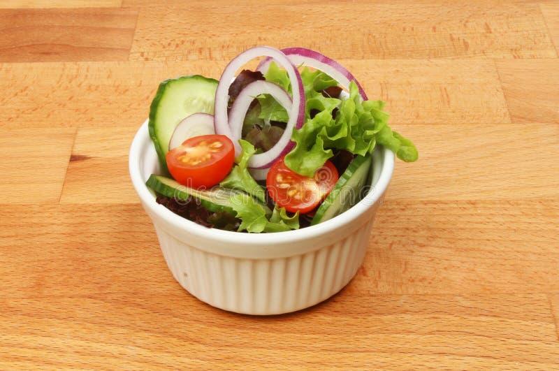Салат в ramekin стоковое изображение