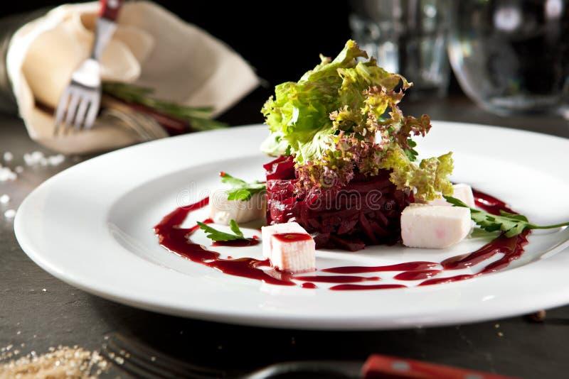 Салат свеклы с козий сыром стоковая фотография