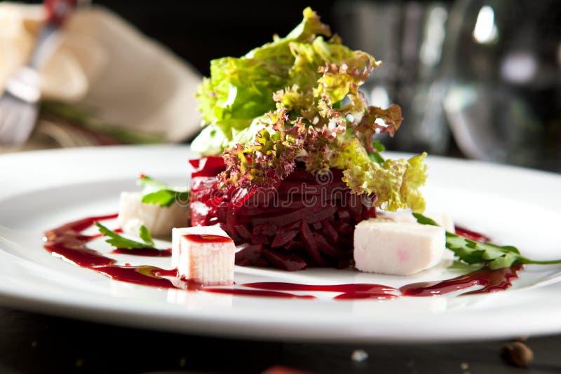 Салат свеклы с козий сыром стоковые изображения rf