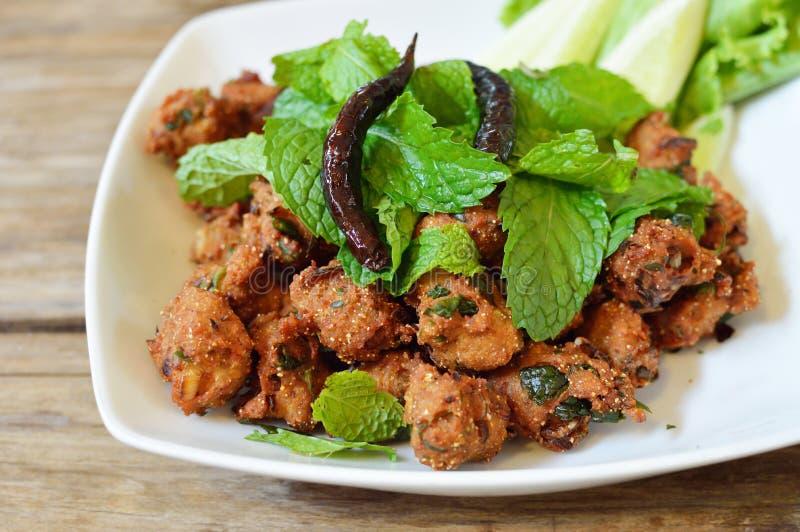 Салат свинины тайской кухни пряный кудрявый, Larb стоковое изображение