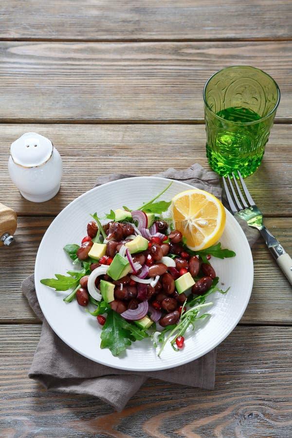 Салат с авокадоом и фасолями стоковые изображения rf