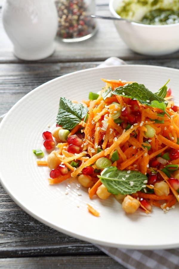 Салат с морковью и венисой стоковое изображение rf