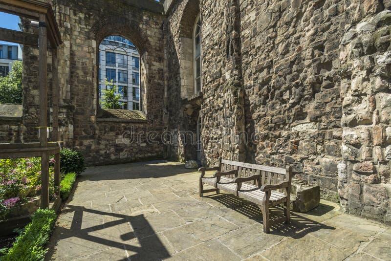 Download Сад Крайстчёрча Greyfriars в Лондоне Стоковое Фото - изображение насчитывающей christchurch, небо: 41659522