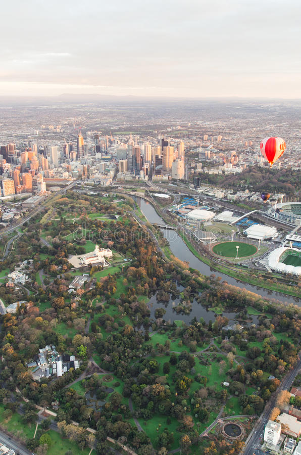Download Сад Мельбурна королевский ботанический Стоковое Изображение - изображение насчитывающей летание, горизонт: 37929431