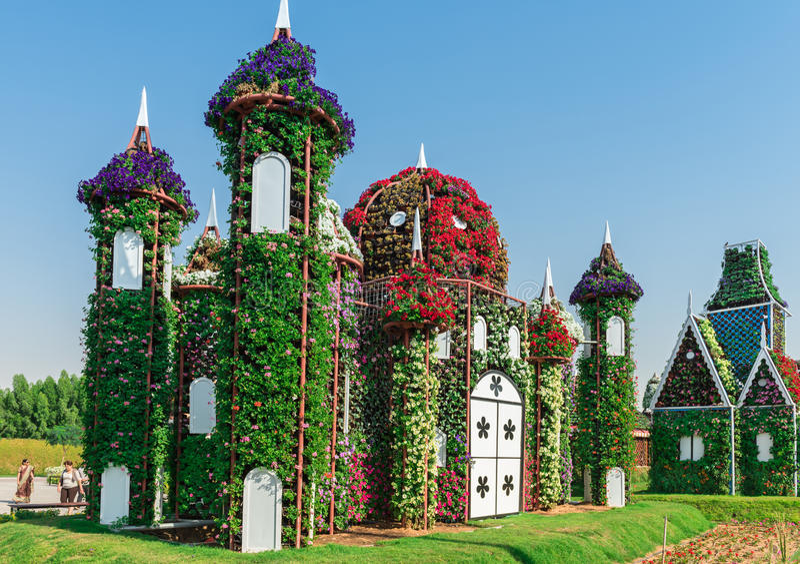 Сад чуда Дубай с над миллионом цветками стоковые фотографии rf