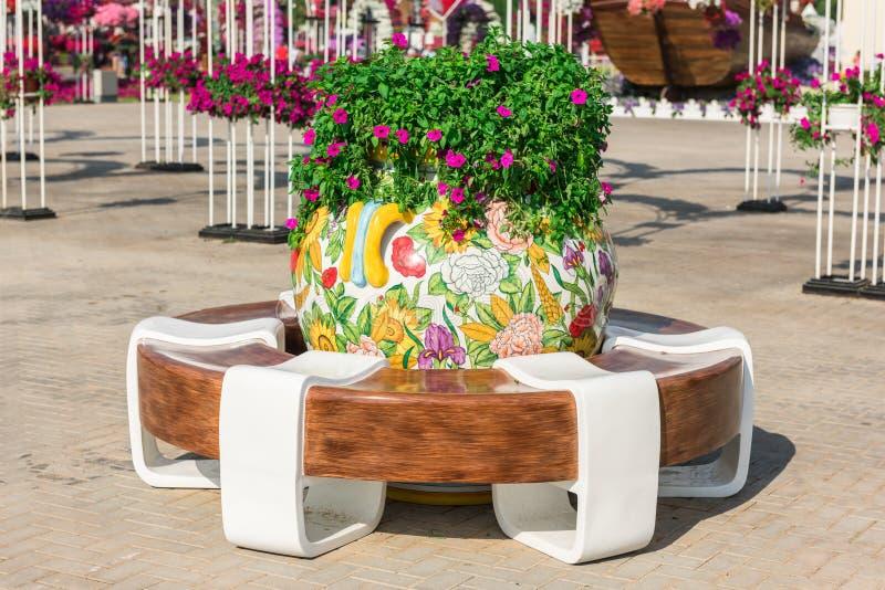 Сад чуда Дубай с над миллионом цветками стоковое изображение