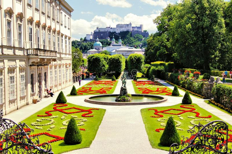 Сады Зальцбурга, Австрии стоковая фотография rf
