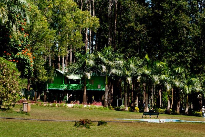 Download Сады Padmapuram редакционное стоковое фото. изображение насчитывающей турист - 41654693