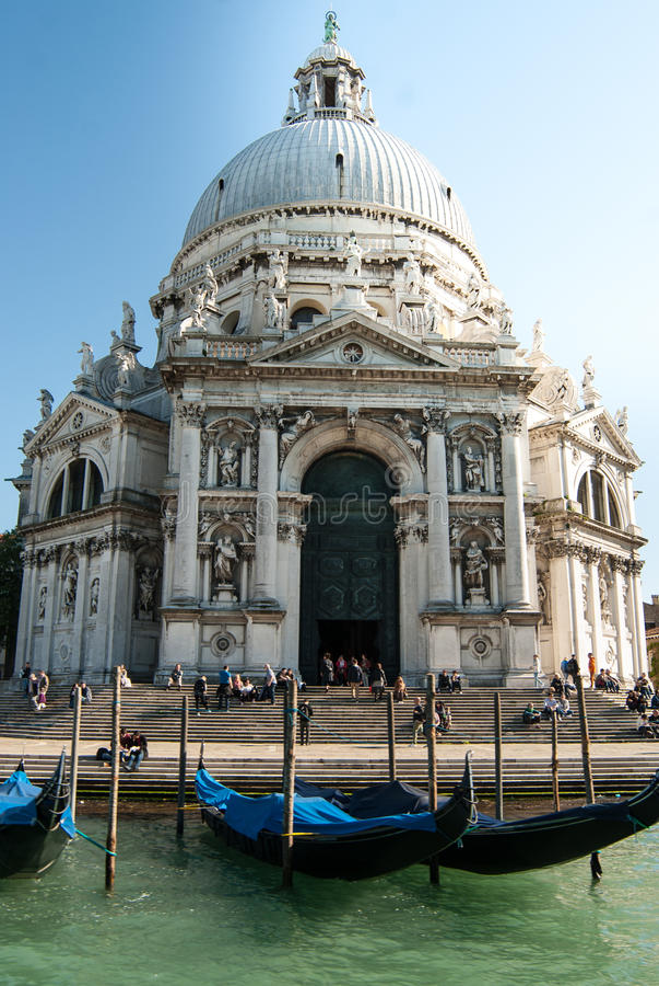Салют della Santa Maria базилики с гондолами стоковая фотография rf