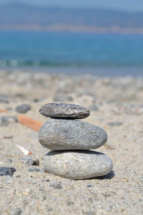 сбалансированные камни стоковые фотографии rf