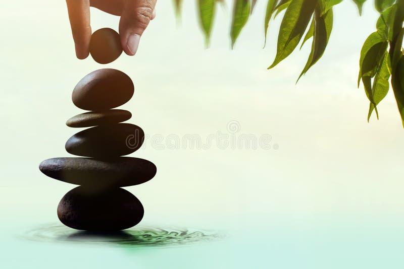 Сбалансируйте концепцию жизни и работать присутствующий вручную устанавливать стоковые изображения