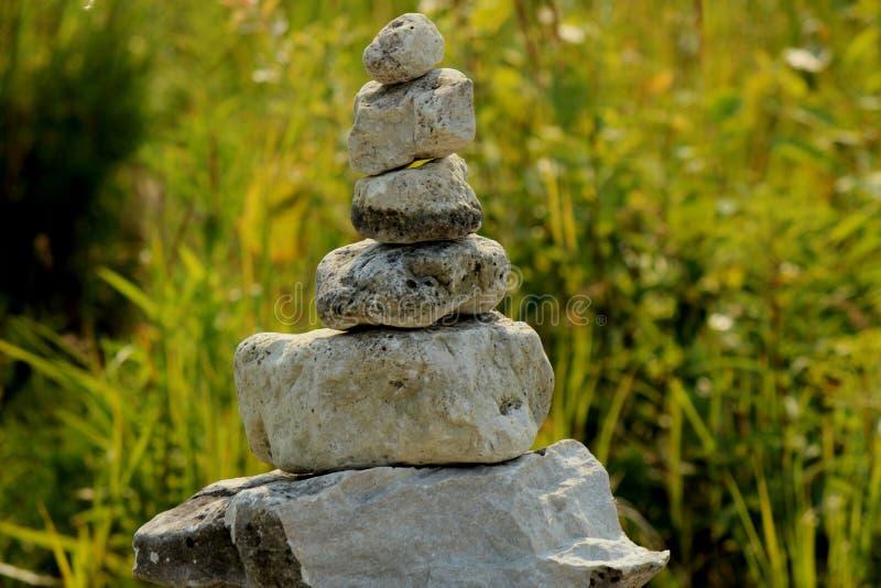 Сбалансированная башня утеса стоковые фотографии rf